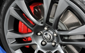 2012-jaguar-XKR-S-brake-caliper