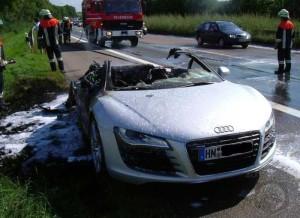 Audi R8 pegando fogo korncars