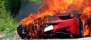 Ferrari 458 Itália pegando fogo korncars