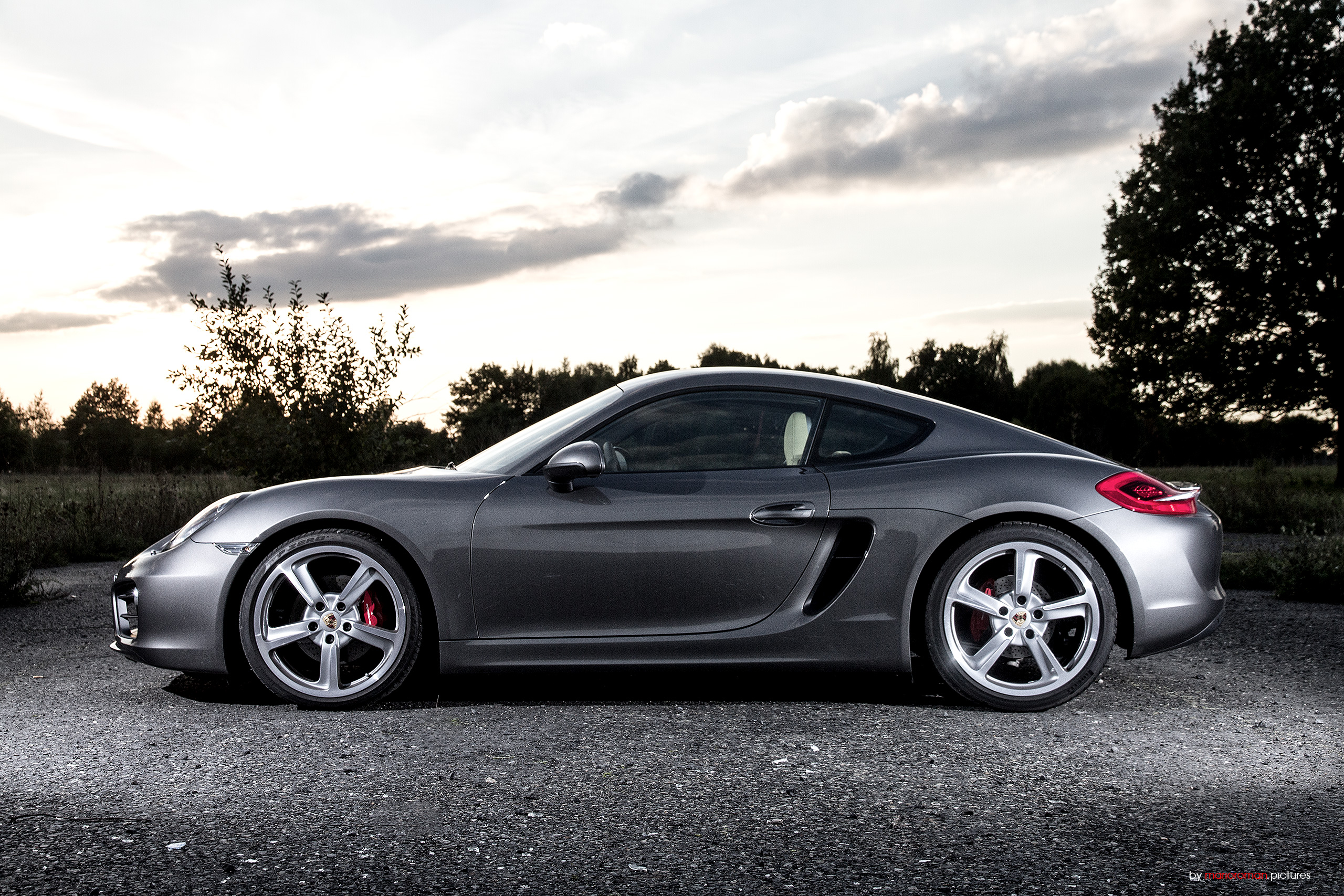 porsche cayman s 2014 all a 911 could or should be korn cars. Black Bedroom Furniture Sets. Home Design Ideas