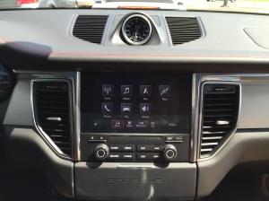 Porsche Macan GTS Apple Car Play (Korncars)